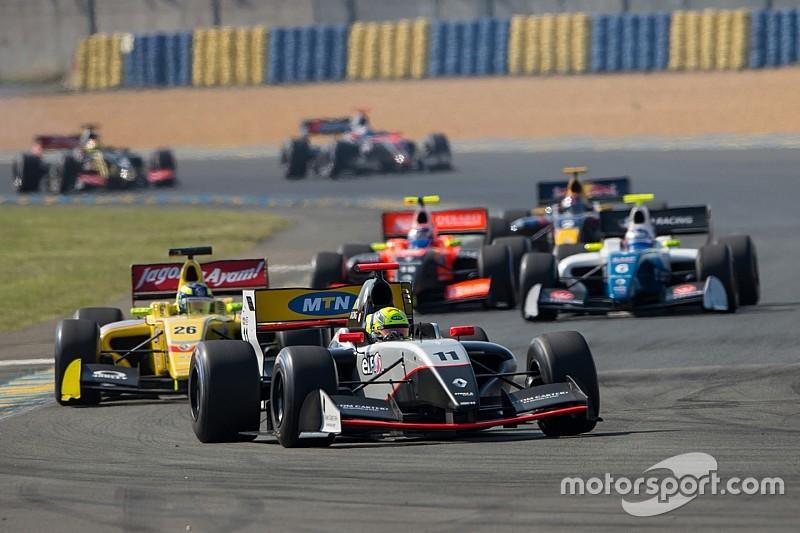 """مالك فريق """"إيه إف كورس"""" يدخل منافسات سلسلة فورمولا 3.5 المعدلة"""