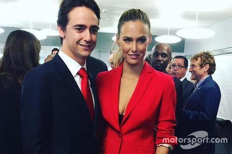 """À espera de vaga na Haas, Gutierrez """"canta"""" top model"""