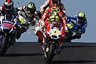 Iannone choca con una  gaviota durante el GP de Australia
