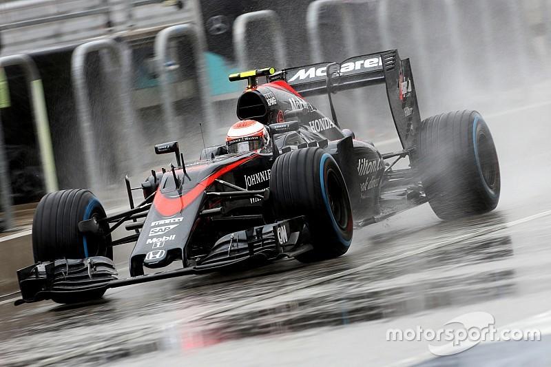 Button moet wachten op nieuwe Honda na problemen Alonso