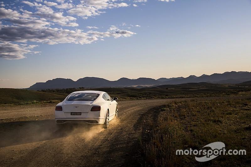 Video: Bentley Continental GT Speed brullend naar 331 km/u