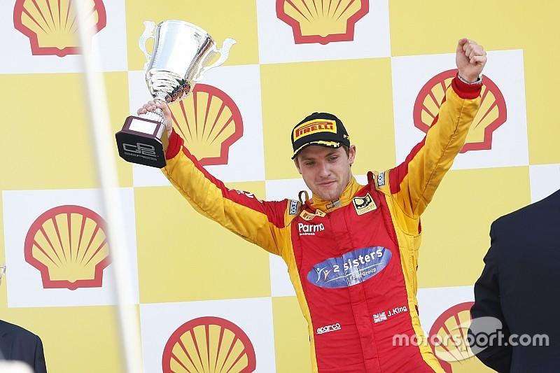 FIA - Jordan King remporte le trophée d'excellence des jeunes pilotes