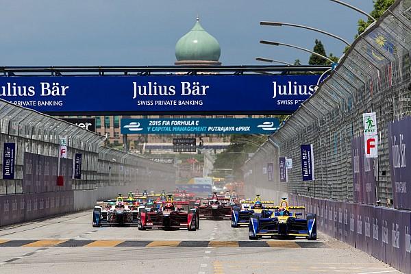 Формула E Видео: лучшие моменты гонки Формулы Е в Путраджае