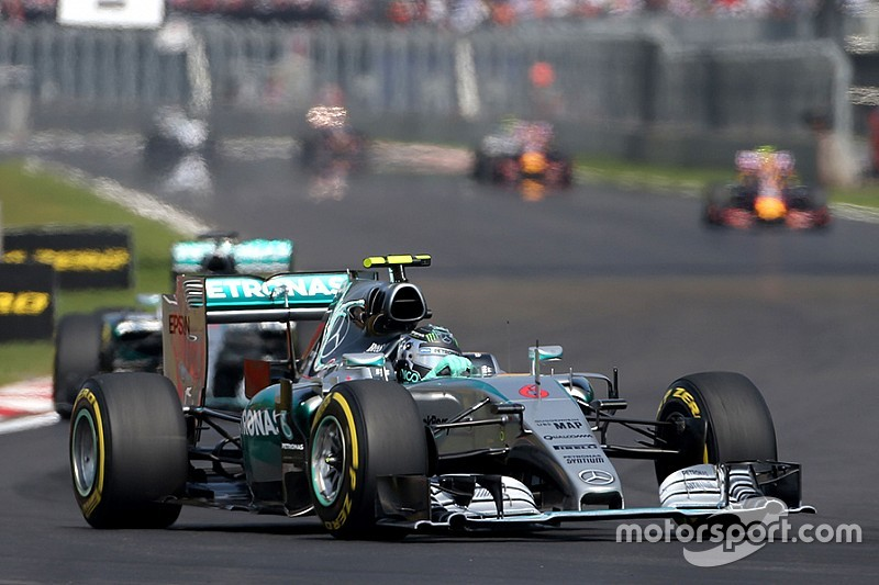 "Mercedes ""too far"" ahead to be caught, warns Ricciardo"
