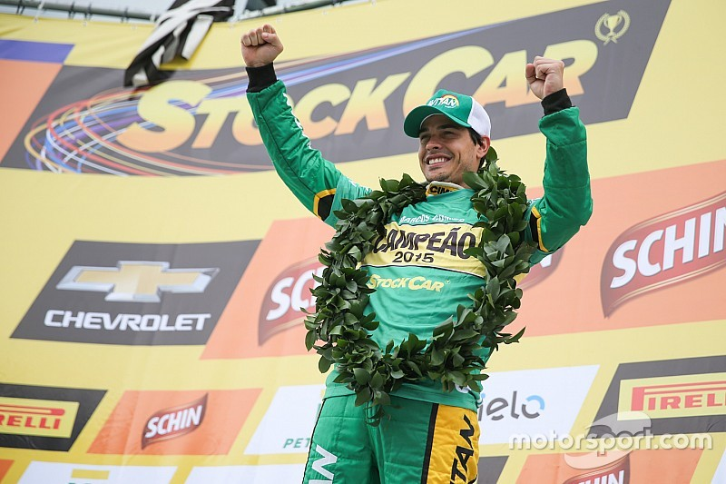 Marcos Gomes clinches Brazilian V8 Stock Cars title after chaotic race in Interlagos