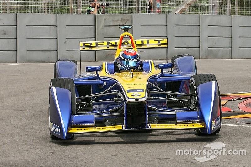 Buemi wint in Uruguay, harde crash Piquet jr.