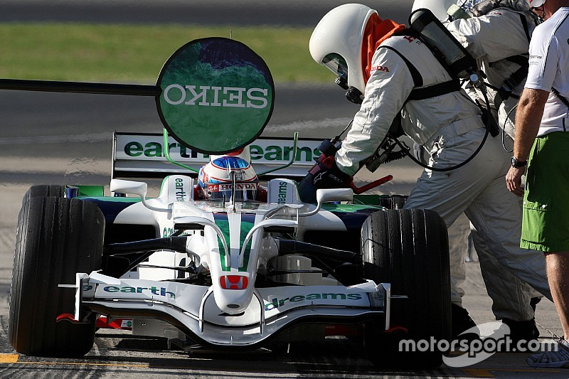 FIA重新考虑恢复赛中加油