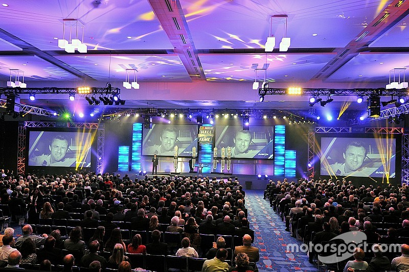 Nevada en Charlotte pospone la ceremonia del NASCAR Hall of Fame