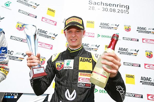 Mick Schumacher bei Gaststart in Indien gegen Alesi und Fittipaldi