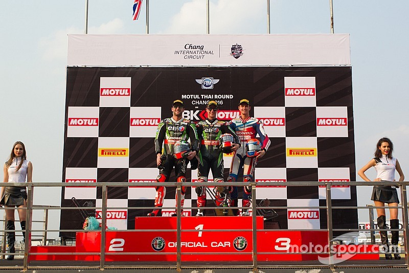 Van der Mark derde in eerste race in Thailand na behalen pole