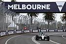 Hamilton lidera dia chuvoso; brasileiros não marcam tempo