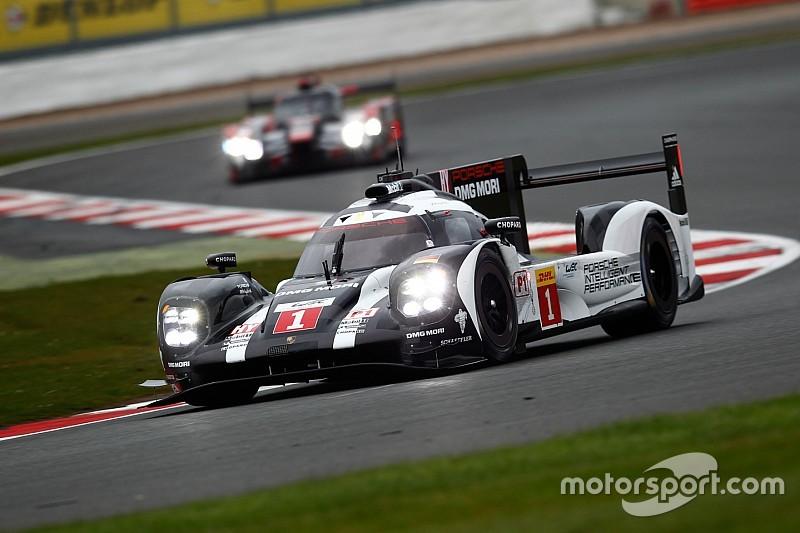 Silverstone, 1° Ora: Webber e Hartley vanno in fuga