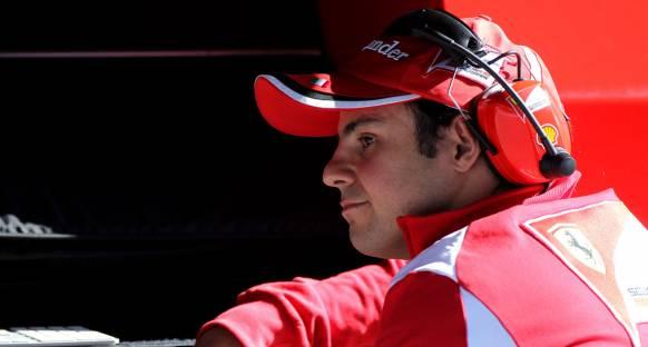 İtalyan gazeteci Massa'ya patladı