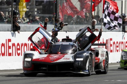 """Toyota #7 erlöst sich mit Le-Mans-Sieg: """"Sind so einen weiten Weg gegangen"""""""