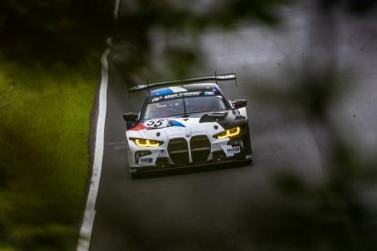 BMW M4 GT3 rollt bei NLS-Debüt auf den letzten Metern aus - mit Absicht!