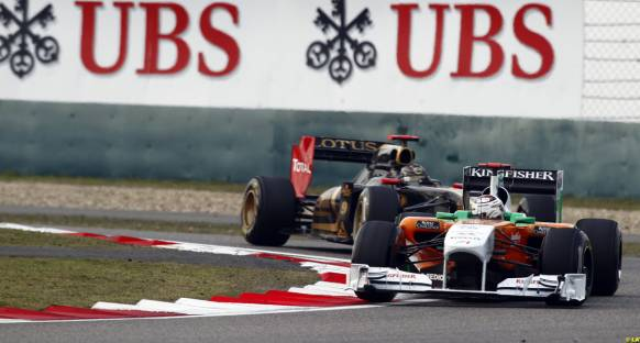 Force India, Renault'ya nişan aldı