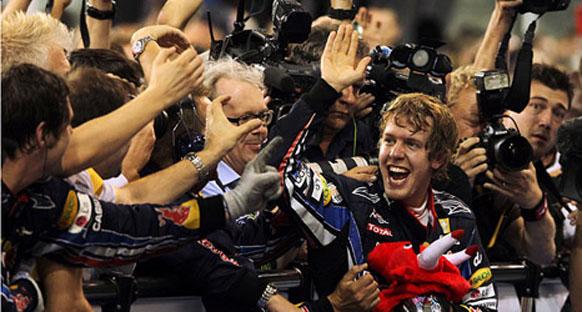 Vettel'in Singapur'da şampiyonluk senaryoları