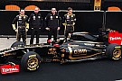 Renault çifti altın renkli tulumlarla yarışacak