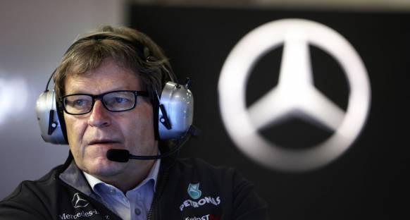 Mercedes Schumi ile sözleşmesini uzatmak istiyor