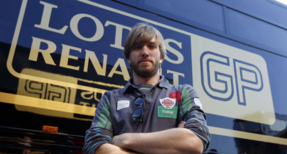 Heidfeld resmen Renault pilotu