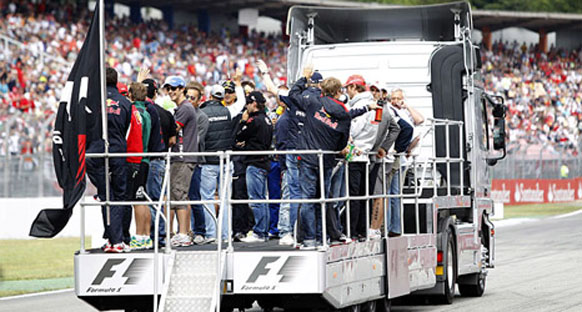 Pilotlar Kore GP kararını bekliyorlar