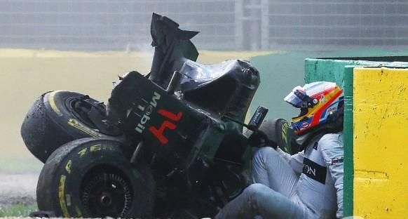 Alonso'nun kaburgalarında kırık ve Akciğerlerinde Pneumothorax var
