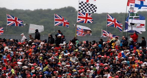 İngiltere'de testler seyirciye açık olacak
