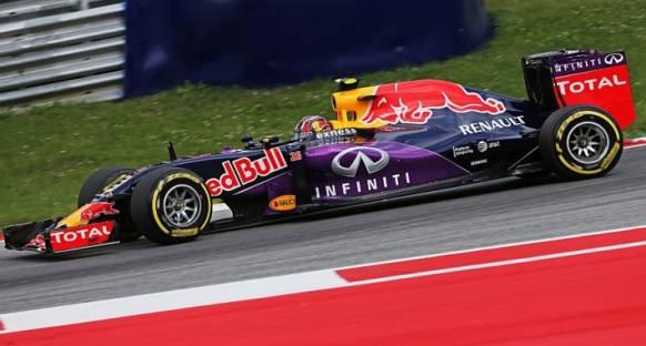 Abiteboul 'Red Bull ile motor anlaşması Renault'un yeni yaklaşımını gösteriyor'