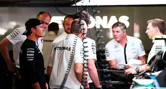 Rosberg: Yarış dışı kalmam yanlış yönde atılmış dev bir adım