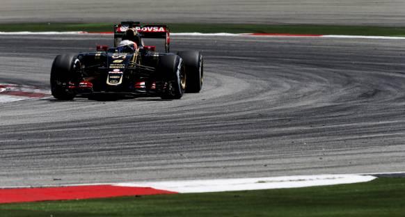 Lotus'un hedefi Red Bull