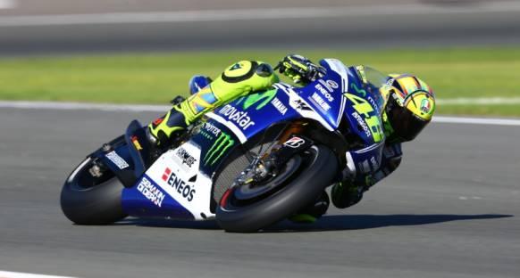 Arjantin'de Rossi rüzgarı, Marquez düştü!