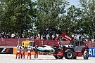 حادث بين هاميلتون وروزبرغ يخرجهما من اللفة الأولى في جائزة إسبانيا الكبرى