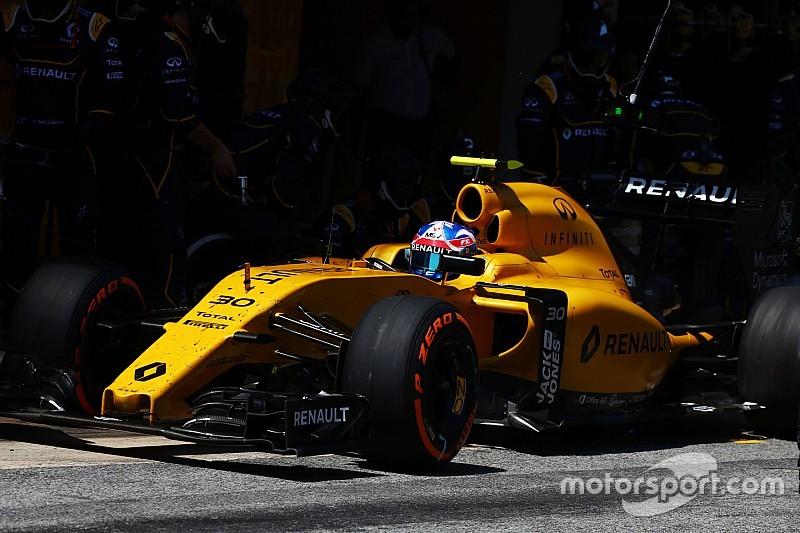 """В Renault """"огорчены"""" ограничениями на давление в шинах"""