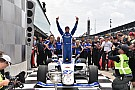 Indy Lights Com maior público em Indianápolis, Stoneman ganha por 0s002