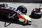 Verstappen start vanuit de pitlane na chassiswissel