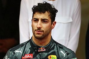 F1 Artículo especial 'Red Bull le borra la sonrisa a Ricciardo', la columna de Nira Juanco