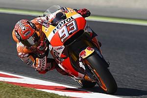 MotoGP Relato de classificação Marquez faz volta perfeita e é pole na Catalunha; Rossi é 5°