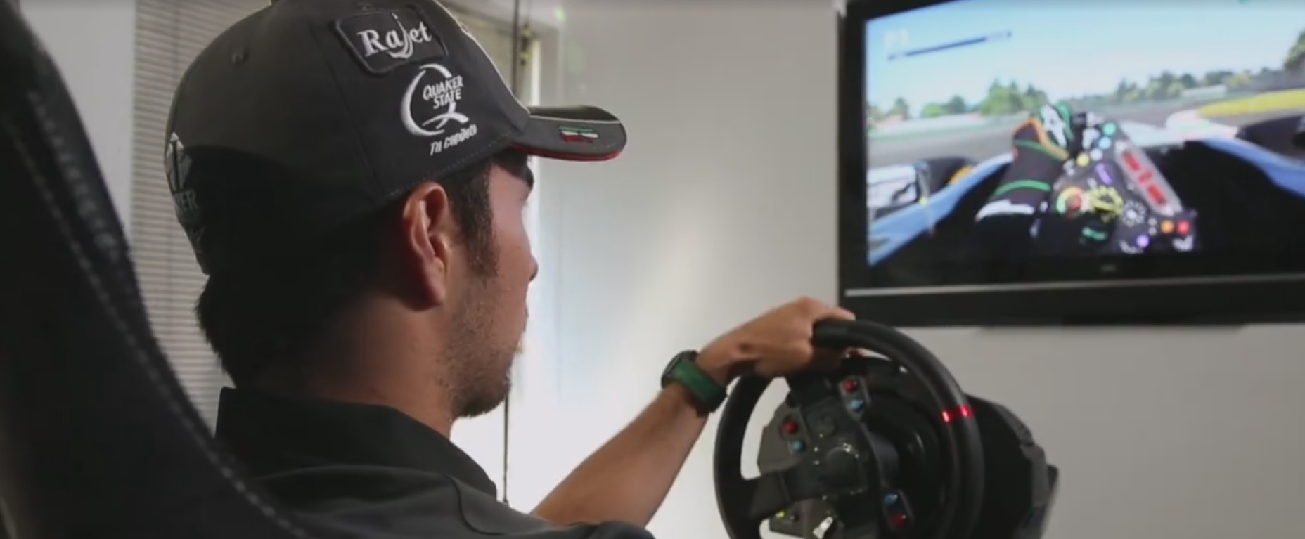 Pérez ment egy kört az F1 2015 játékban: Mexikói Nagydíj