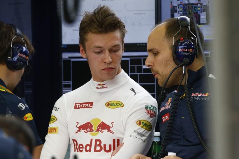 WTF: Button sem érti, hogy ilyen gyorsan ejtették Kvyat-ot a Red Bullnál