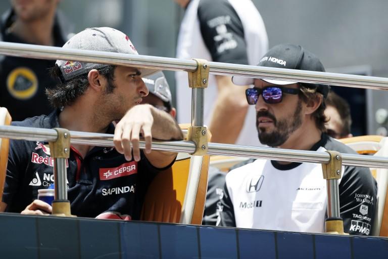WTF: Alonso legszívesebben Hamiltonnal ragadna egy lakatlan szigeten!