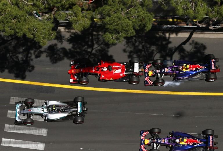 A Mercedes, a Ferrari és a Red Bull speciális autóival fogják tesztelni a Pirelli 2017-es abroncsait