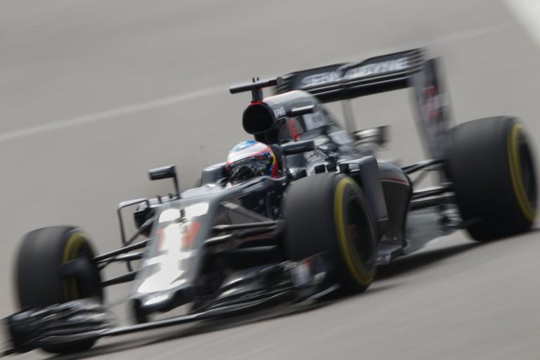 A Hondának tényleg muszáj egy második csapatot is bevállalnia a McLaren mellett?