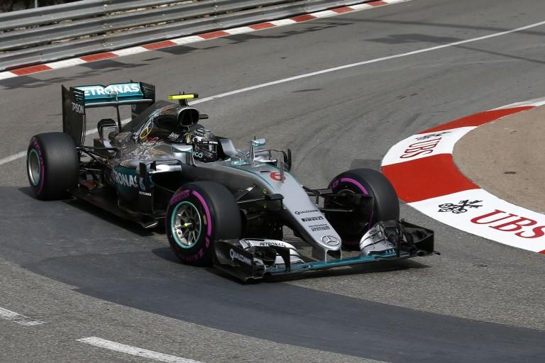 A Mercedes tegnap ment legelőször ultralágyon, így van mit tanulniuk!