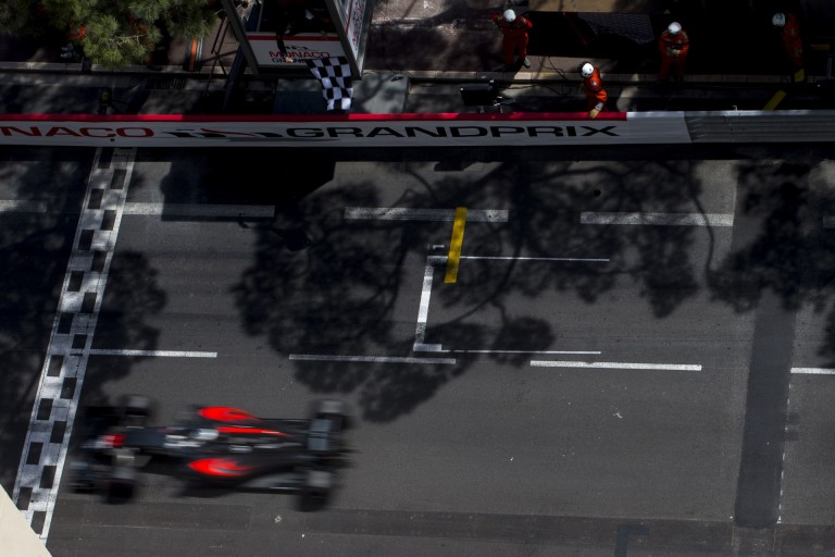 Alonso megint villant a McLarennel: kisebb pofon Buttonnak Monacóban