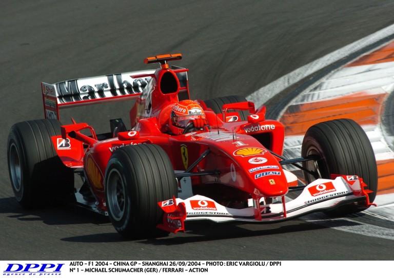 Schumacher megpördül, aztán ismét támad: Kínai Nagydíj 2004
