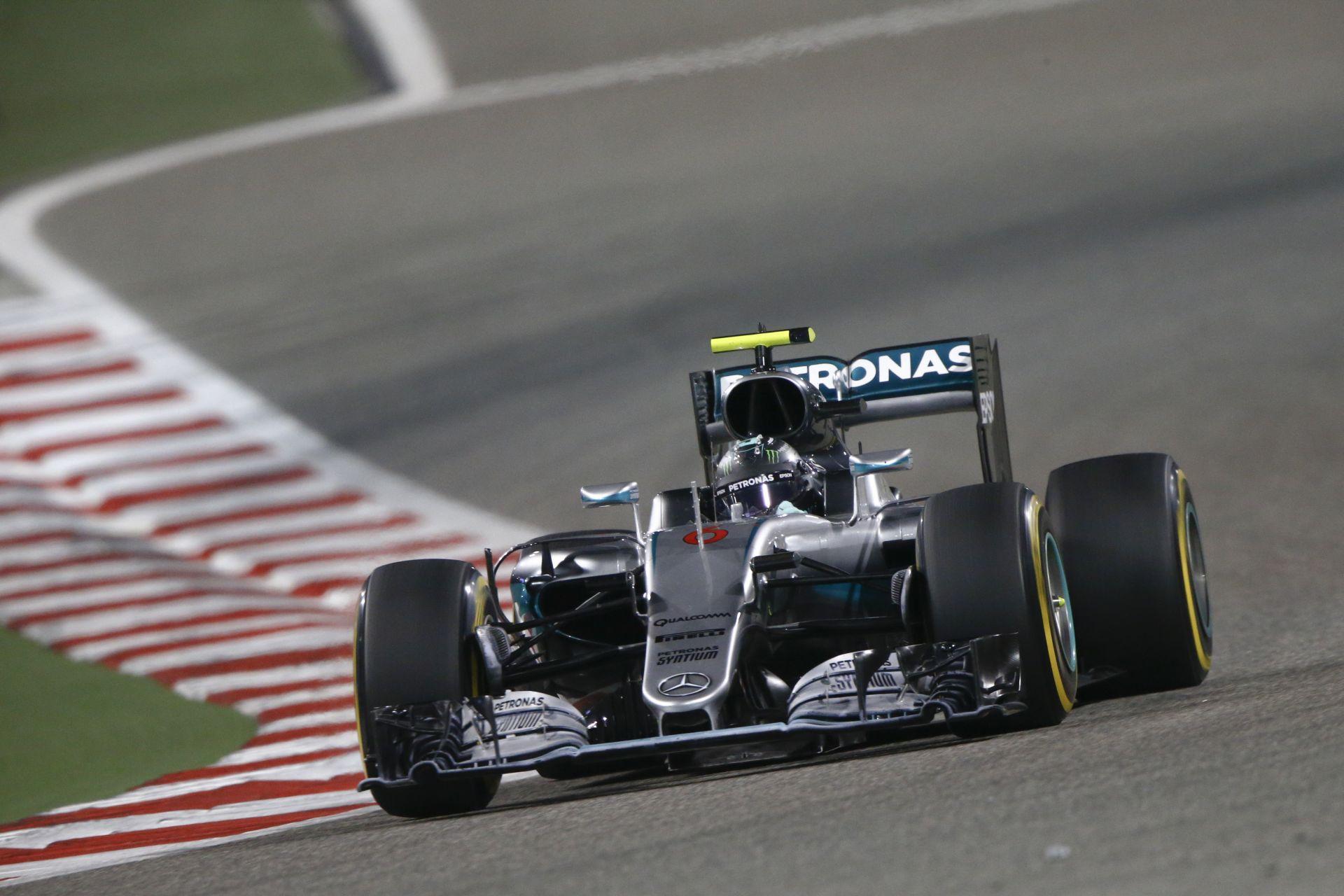 Rosberg szerint Hamilton büntetése nem nagy dolog