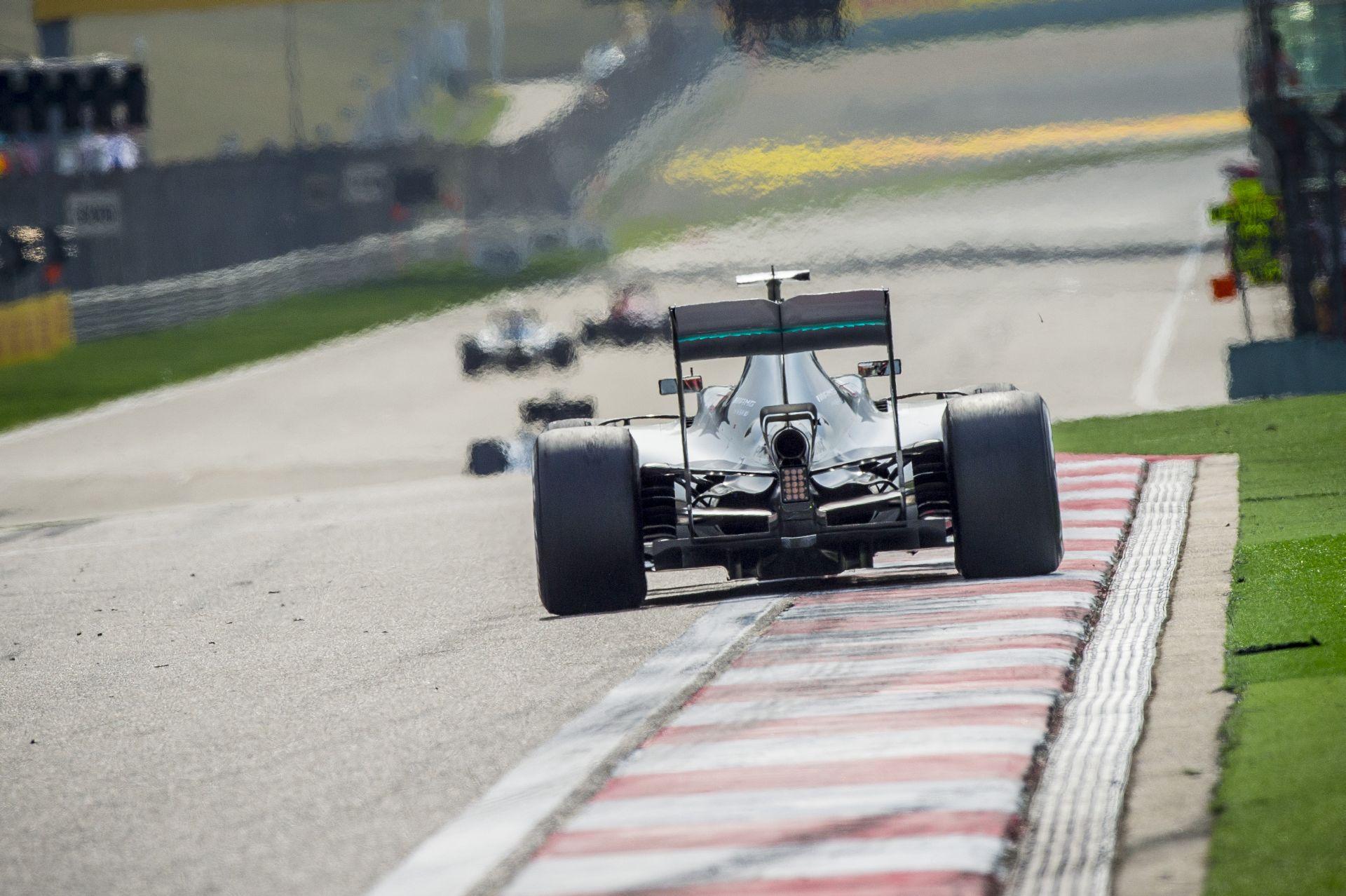 Kiderült Hamilton kínai motorproblémájának pontos oka!