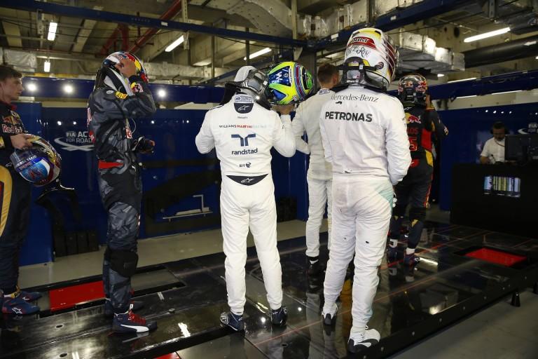 Hamilton végzett az élen a harmadik edzésen Szocsiban Rosberg és a két Ferrari előtt
