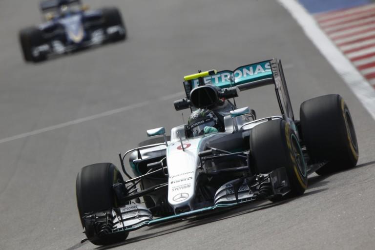 Dráma az Orosz Nagydíj időmérő edzésén: Rosberg pole, Hamilton KO, Raikkönen blama