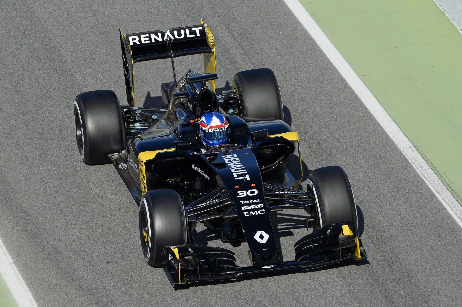 Majdnem 100 kört ment a Renault ma Barcelonában: alakul